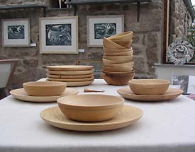 Ash bowls and plates for everyday eating